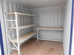 container med hyller